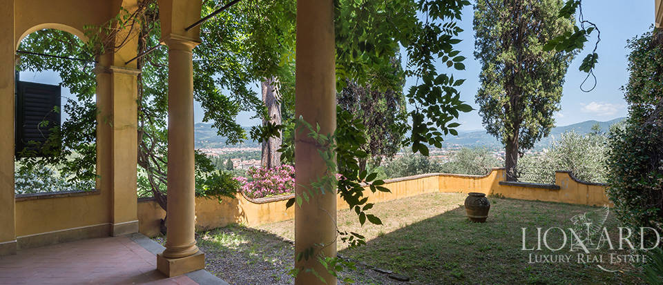 Gorgeous property for sale in Florence Image 24