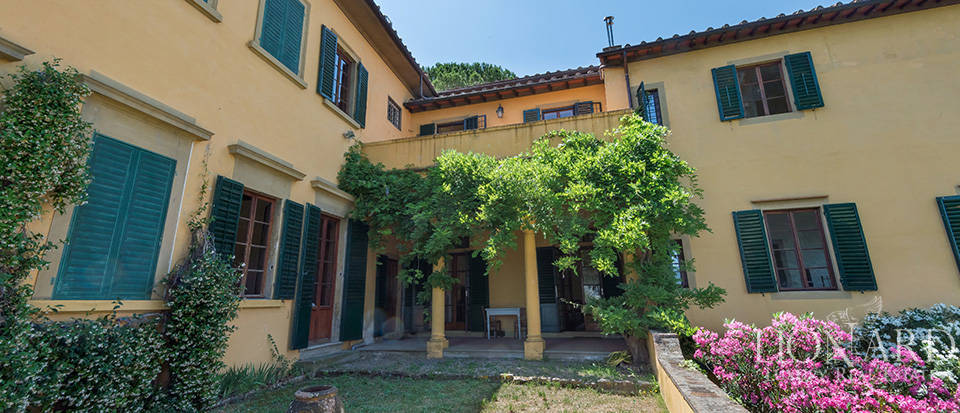 Gorgeous property for sale in Florence Image 27