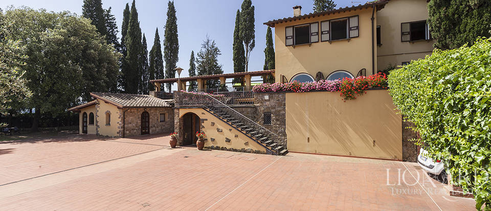 Exclusive villa for sale in Florence Image 6