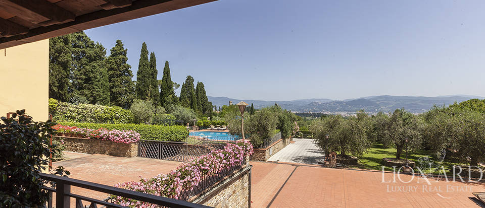 Exclusive villa for sale in Florence Image 15