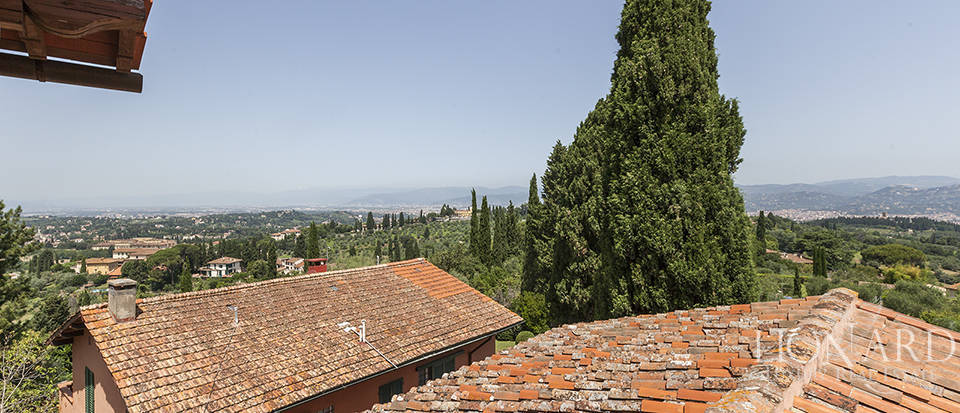 Exclusive villa for sale in Florence Image 37