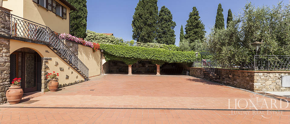 Exclusive villa for sale in Florence Image 8
