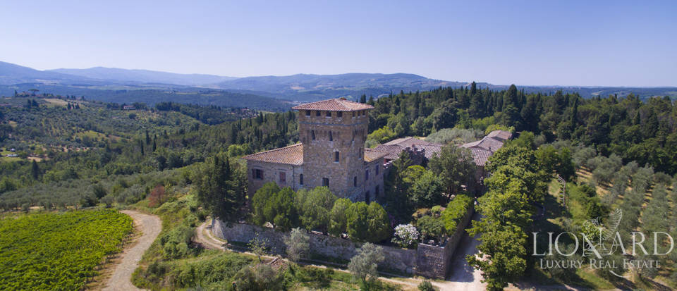 Medieval castle for sale on the hills near Florence Image 8