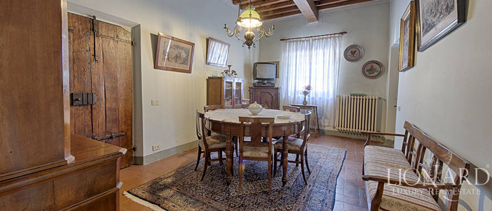 Luxury villa for sale in the heart of Tuscany Image 31