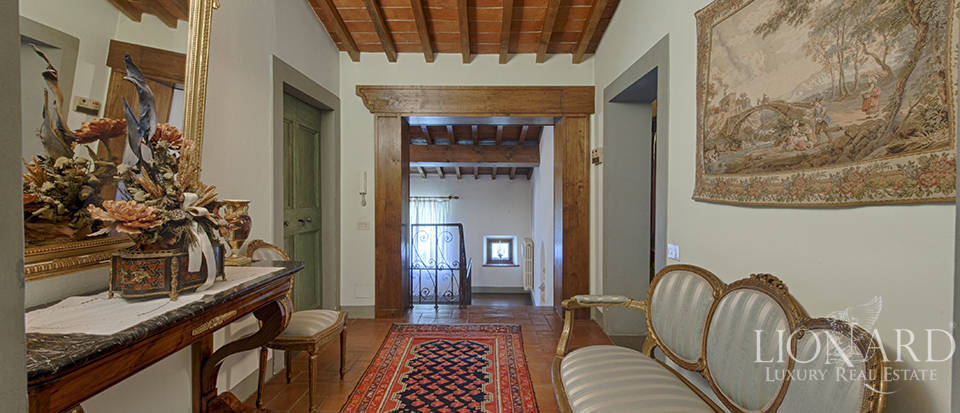 Luxury villa for sale in the heart of Tuscany Image 40