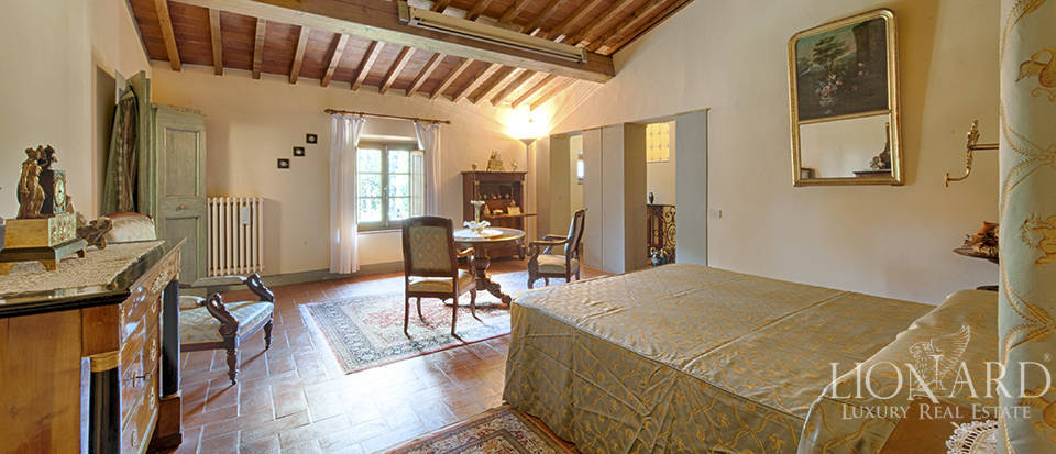 Luxury villa for sale in the heart of Tuscany Image 42
