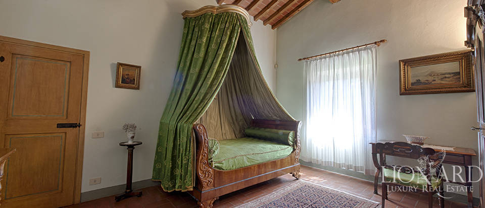 Luxury villa for sale in the heart of Tuscany Image 44