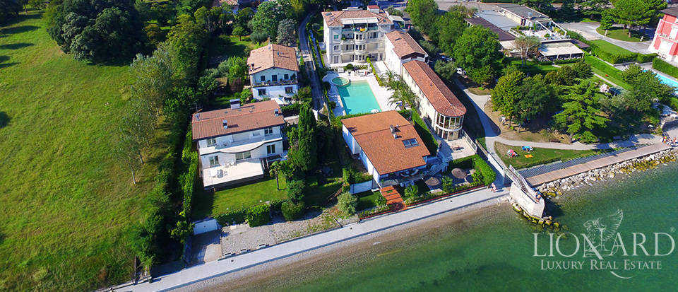 Splendid villa on Lake Garda equipped with all comforts Image 34