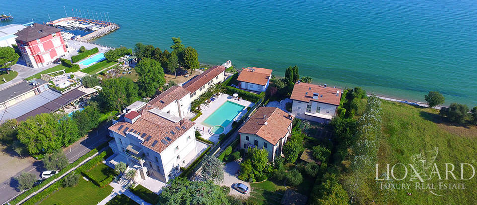 Splendid villa on Lake Garda equipped with all comforts Image 31