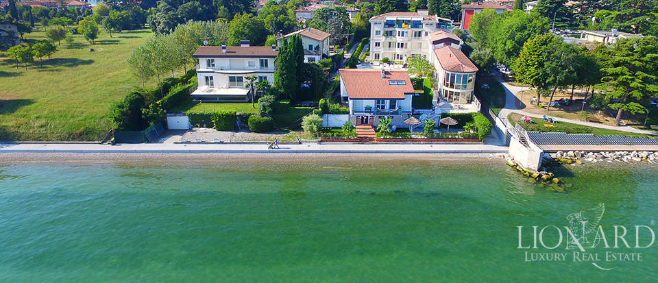 Splendid villa on Lake Garda equipped with all comforts Image 28