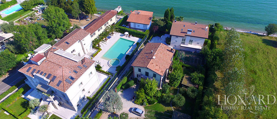 Splendid villa on Lake Garda equipped with all comforts Image 29