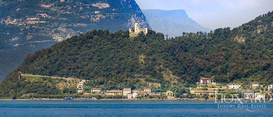 Castle for sale by Lake Iseo Image 3