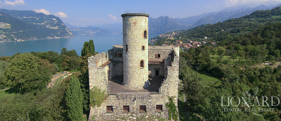 Castle for sale by Lake Iseo Image 8