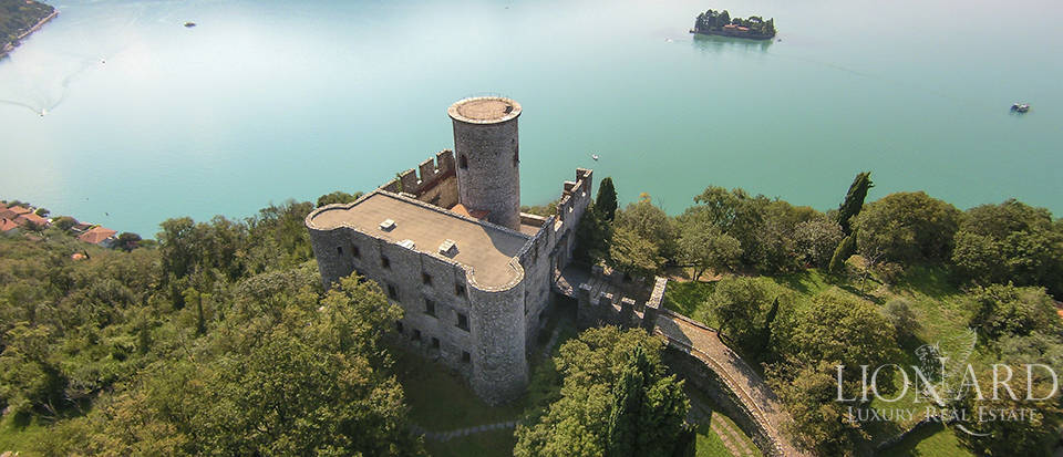 Castle for sale by Lake Iseo Image 6