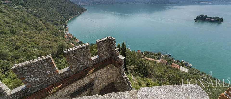 Castle for sale by Lake Iseo Image 24
