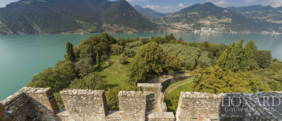 Castle for sale by Lake Iseo Image 25
