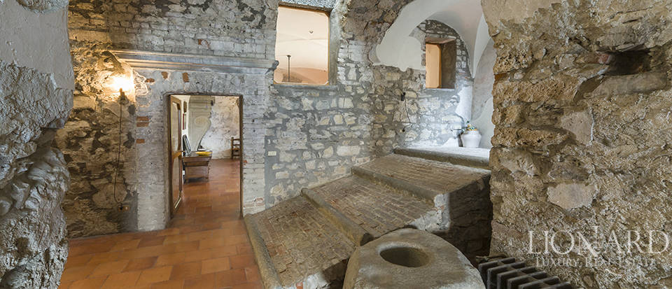 Castle for sale by Lake Iseo Image 33