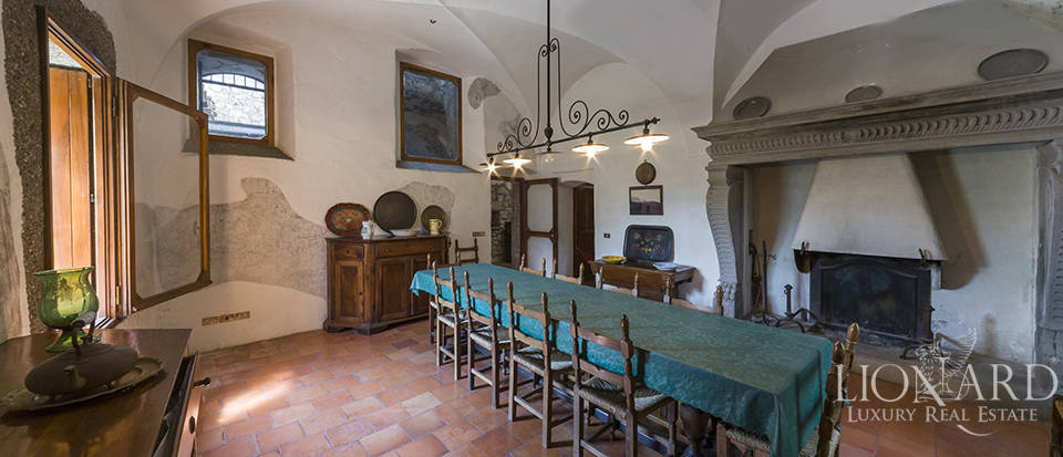 Castle for sale by Lake Iseo Image 34