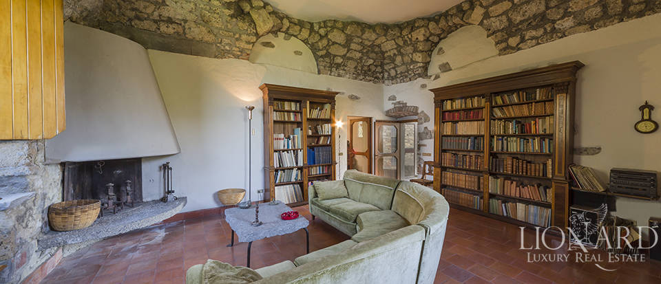 Castle for sale by Lake Iseo Image 35