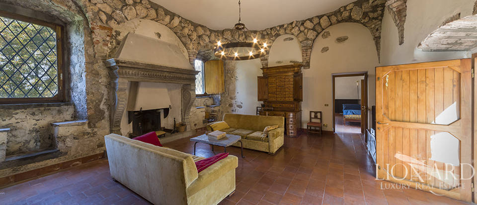 Castle for sale by Lake Iseo Image 36