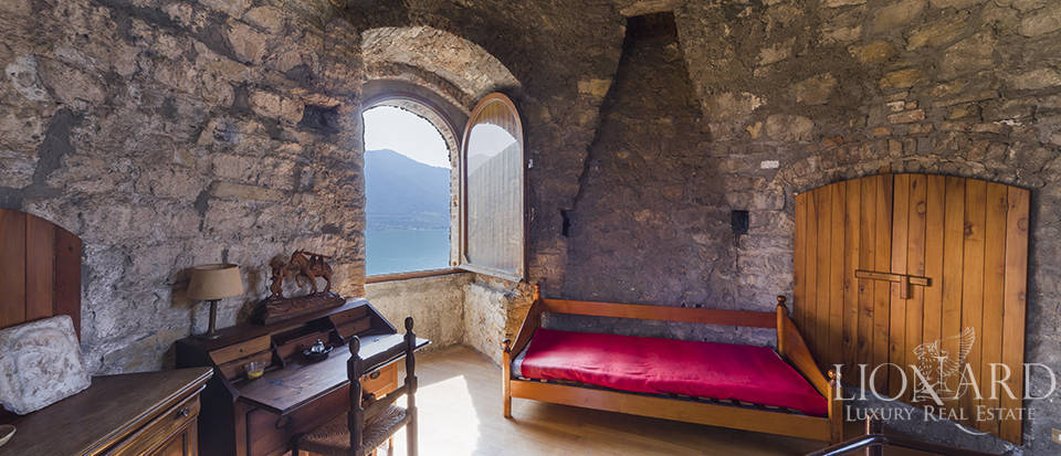 Castle for sale by Lake Iseo Image 43