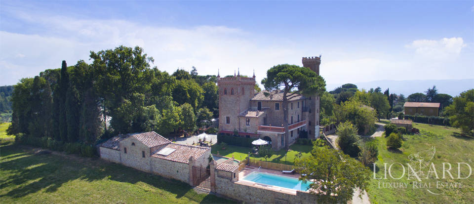 Prestigious spa hotel in Umbrian castle for sale Image 2