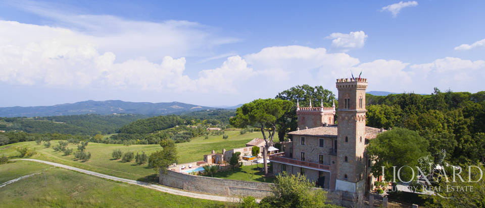 Prestigious spa hotel in Umbrian castle for sale Image 1