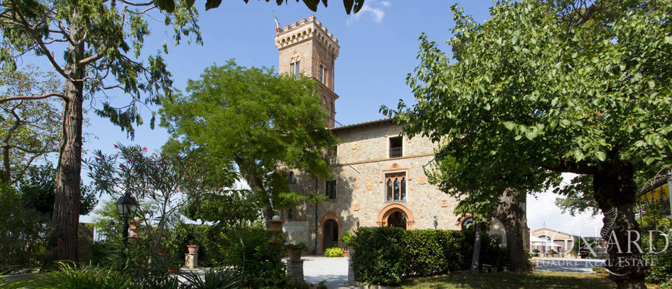 Prestigious spa hotel in Umbrian castle for sale Image 13