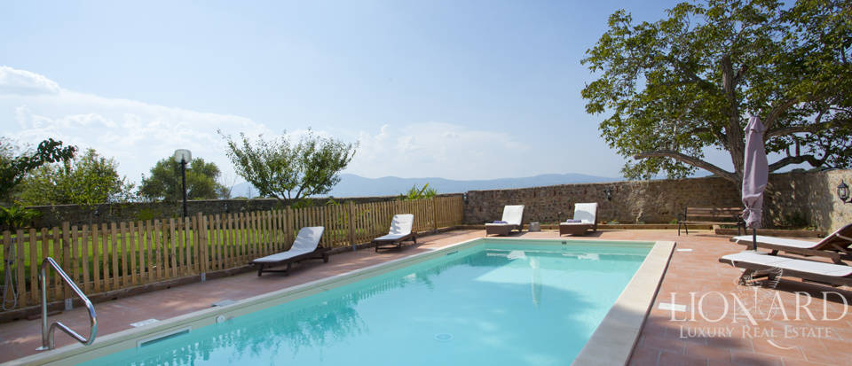 Prestigious spa hotel in Umbrian castle for sale Image 17