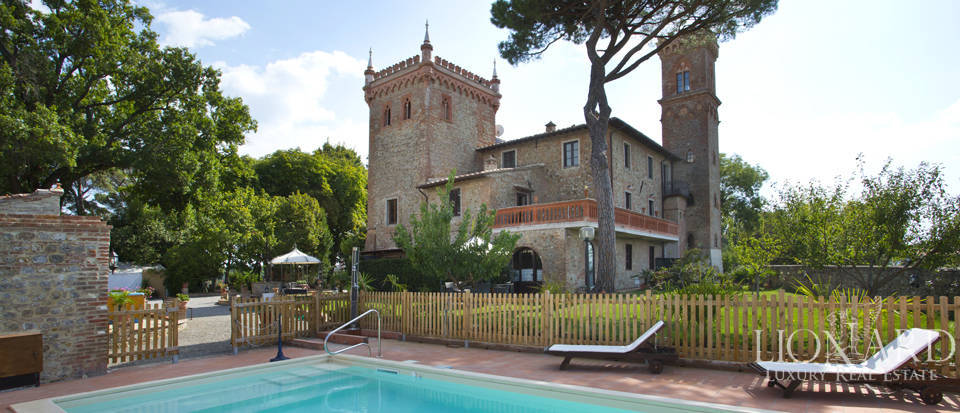 Prestigious spa hotel in Umbrian castle for sale Image 18