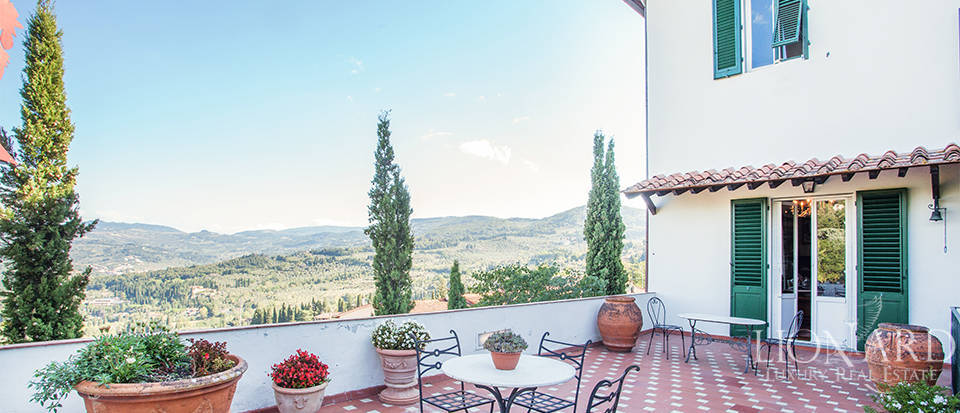 Wonderful villa for sale in Fiesole Image 19