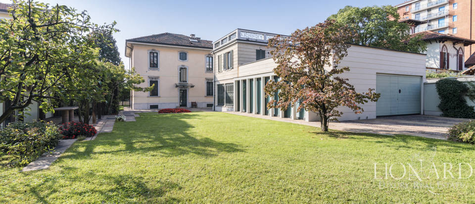 Luxury villa for sale in Milan Image 1