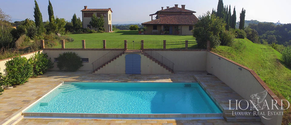Lovely farmhouse for sale in Pisa Image 7