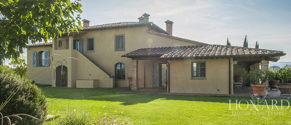 Lovely farmhouse for sale in Pisa Image 4