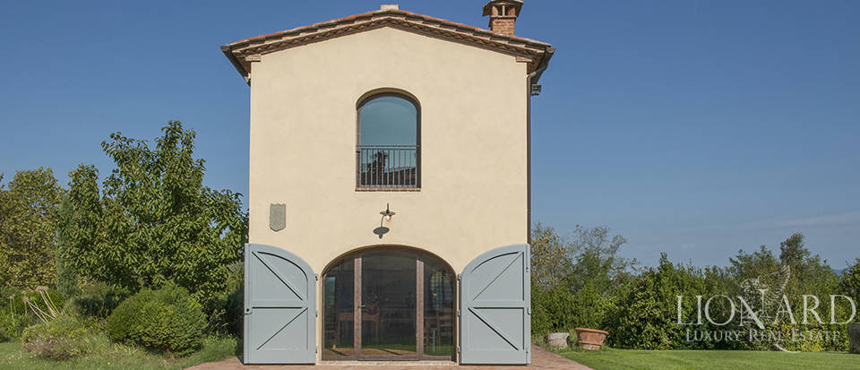 Lovely farmhouse for sale in Pisa Image 13