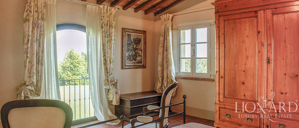Lovely farmhouse for sale in Pisa Image 42