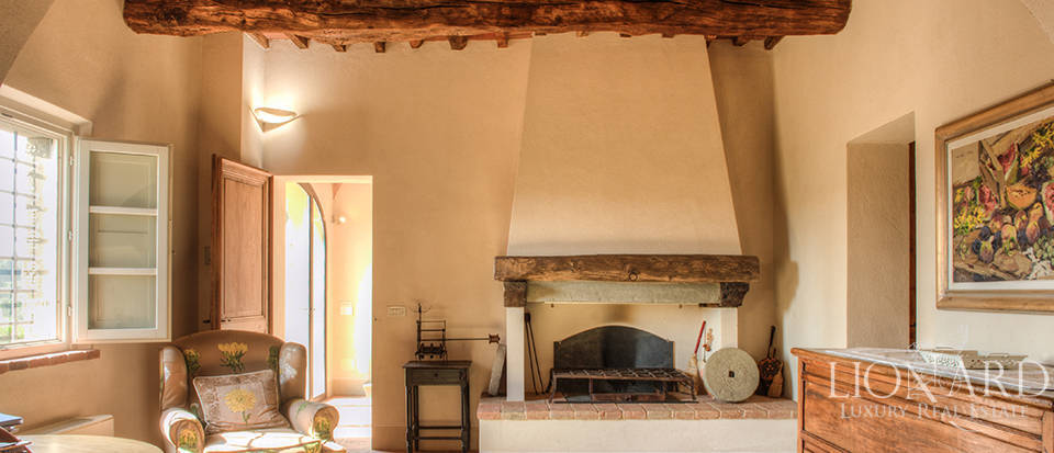 Lovely farmhouse for sale in Pisa Image 36