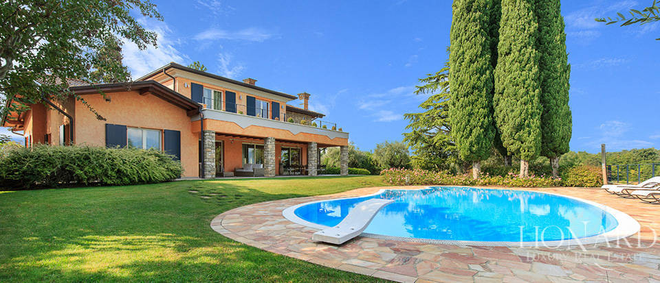 Villas In Milan With Pool