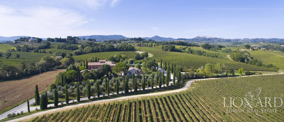 Lovely resort for sale in Siena Image 6