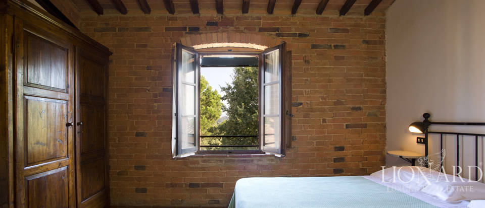Lovely resort for sale in Siena Image 36