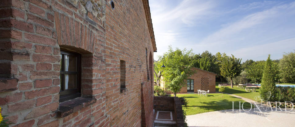 Lovely resort for sale in Siena Image 31