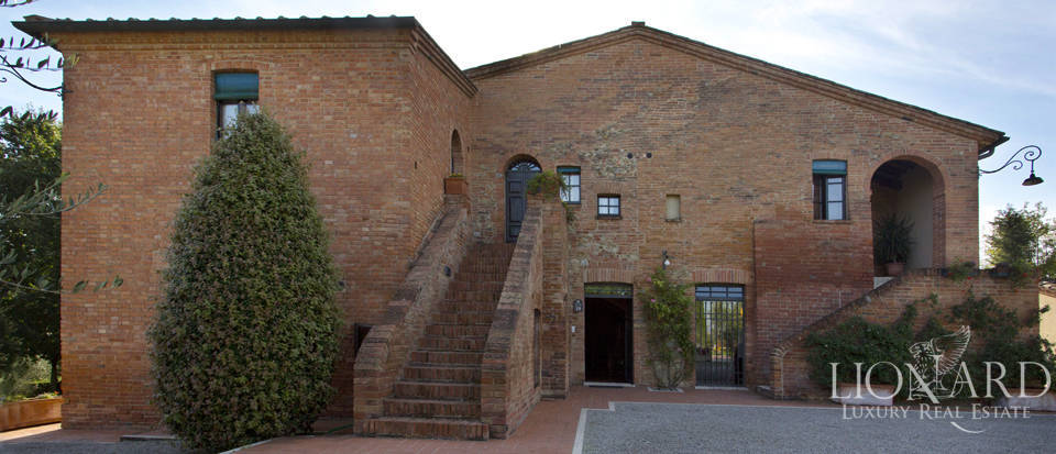 Lovely resort for sale in Siena Image 30