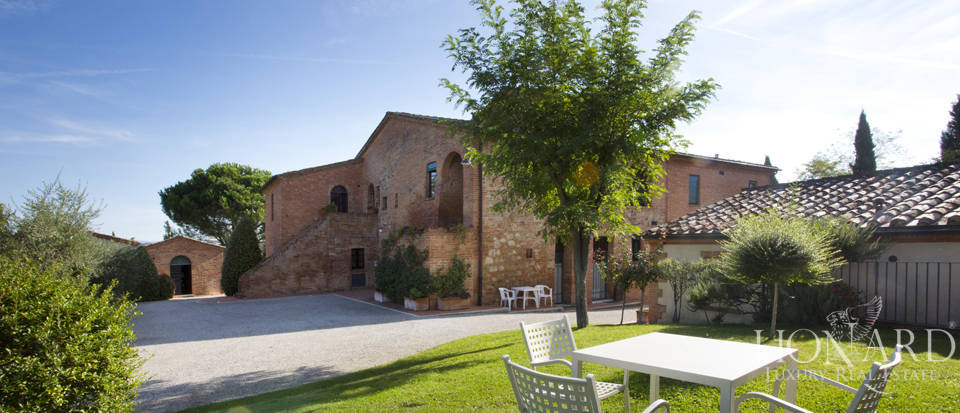 Lovely resort for sale in Siena Image 18