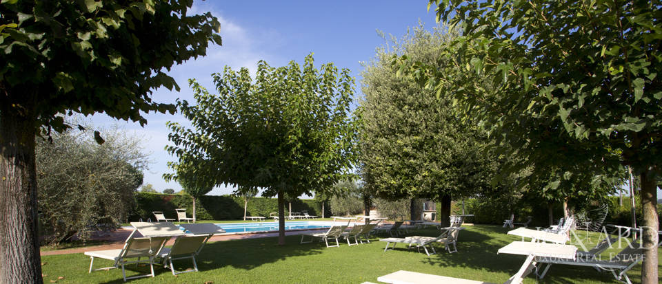 Lovely resort for sale in Siena Image 13