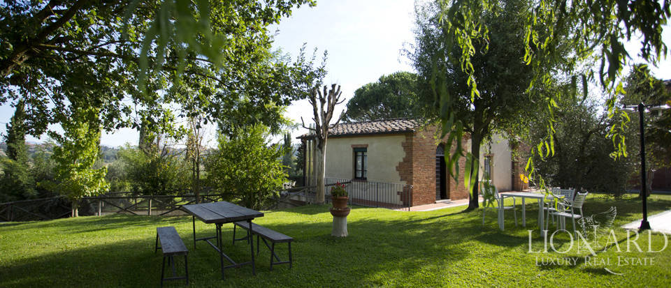 Lovely resort for sale in Siena Image 24