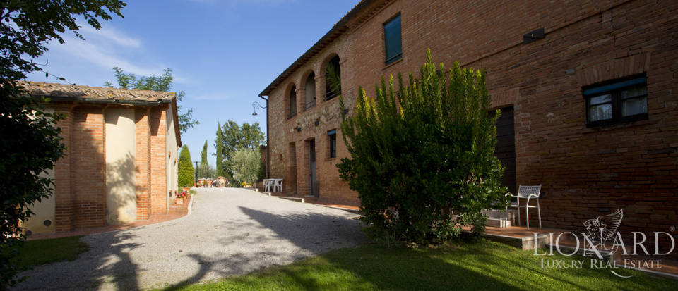Lovely resort for sale in Siena Image 26