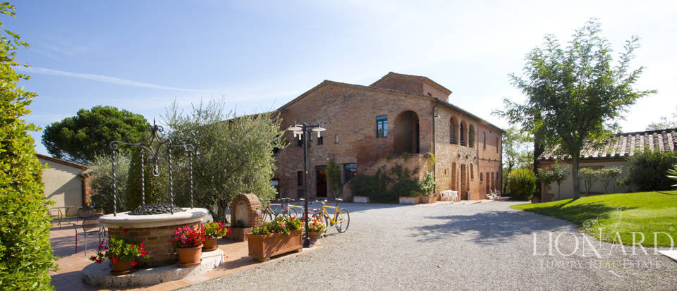 Lovely resort for sale in Siena Image 8
