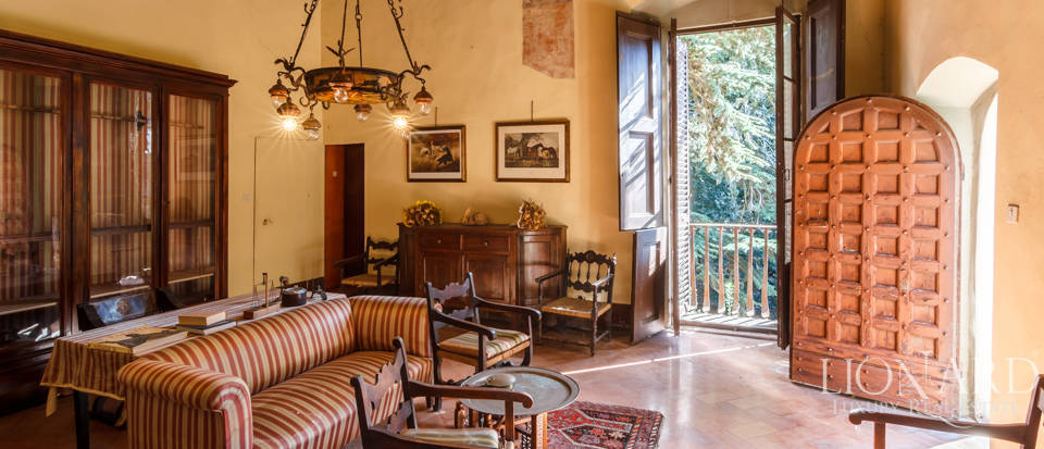 Lovely luxury property with vineyards for sale in Pisa Image 22