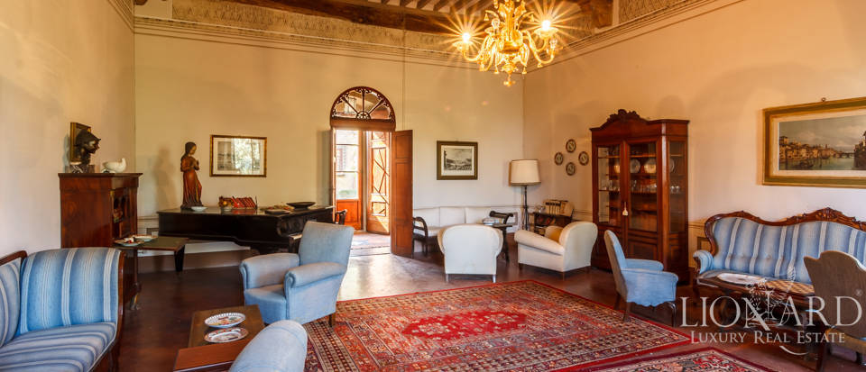 Lovely luxury property with vineyards for sale in Pisa Image 24