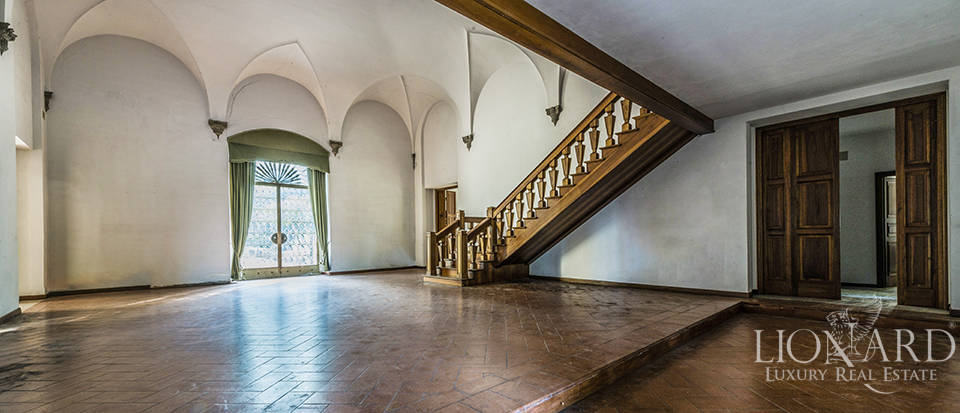 Apartment in a castle with a spectacular view over Florence Image 25